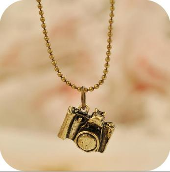 OMH wholesale 6pcs off 35% = $0.57/pcs Vintage Camera Pendant Alloy Chain Men Women Unisex Necklace Clothing Accessories XL87