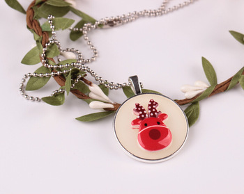2018 Fashion Lovely Cartoon Snowman Glass Christmas Tree Pendant Chain Luminous Christmas Necklace